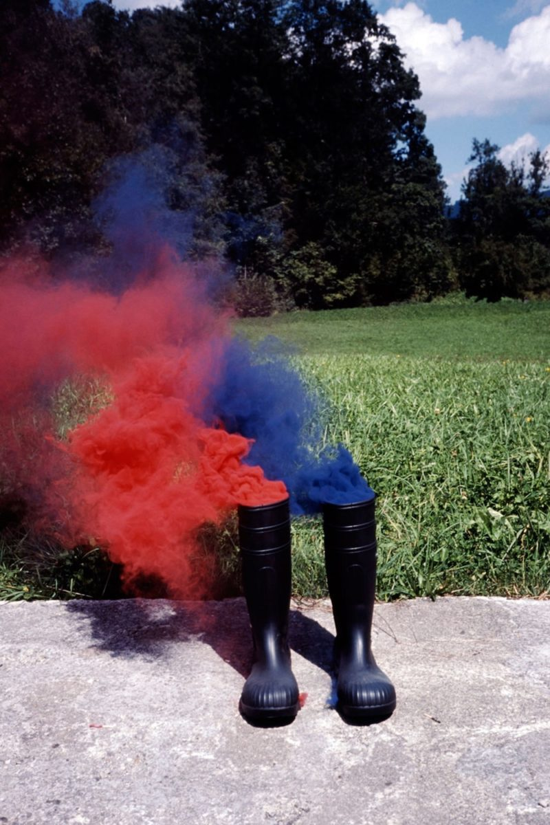 Roman Signer, Rot-Blau, 2015 with Häusler Contemporary