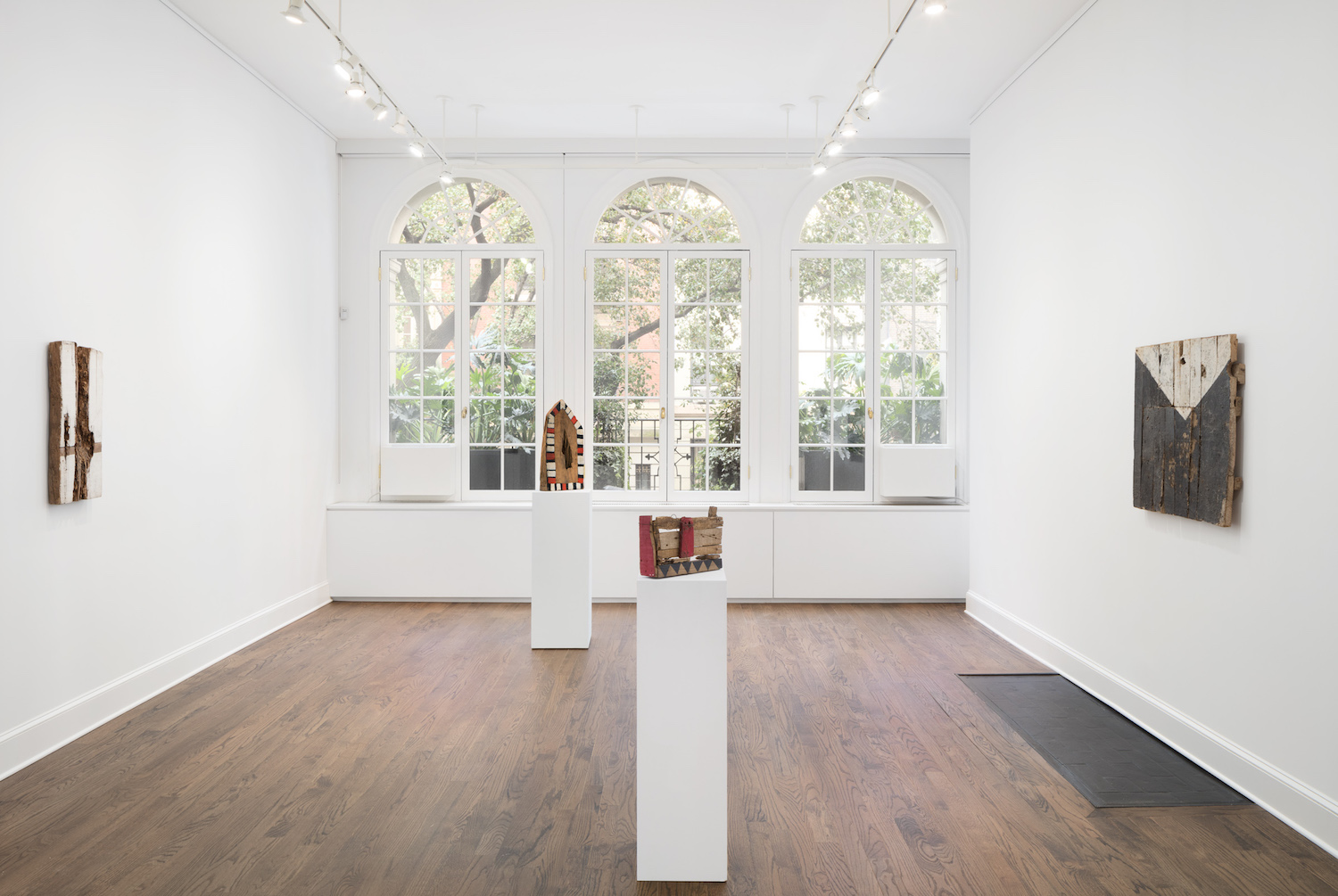 Installation view, Celso Renato at Mendes Wood