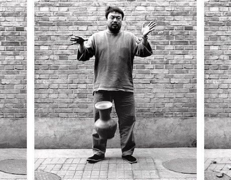 Ai Weiwei, Dropping a Han Dynasty Urn, 1995. Courtesy Guggenheim Bilbao