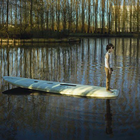 Ellen Kooi, Nieuwe Meer - Surfplank, 2016 with Camera Oscura Galeria de Arte