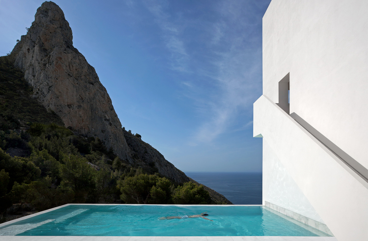 Diego Opazo, House on the cliff. © Architecture FRAN SILVESTRE ARQUITECTOS