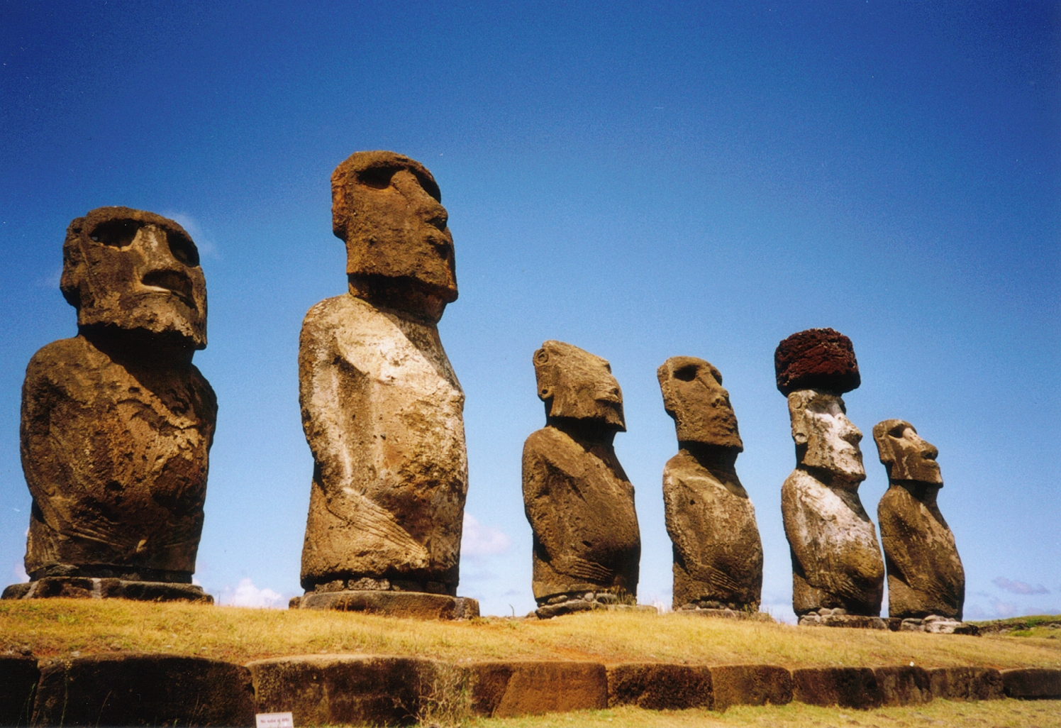 On Ahu, Easter Island by Makemake, via Wikimedia Commons