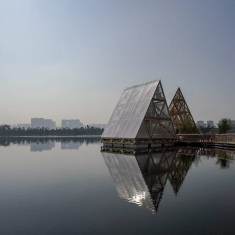 Installation, Kunlé Adeyemi, NLÉ Works, MFS IIIx3 - Minjiang Floating System, Chengdu, China, 2018. Courtesy Mao Jihong Arts Foundation.