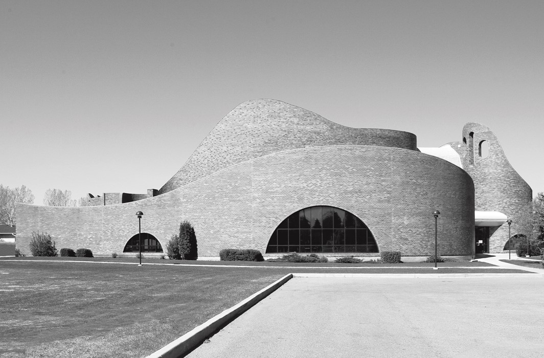 St Mary's Church, Douglas Cardinal, Red Deer, Alberta, Canada, 1968. Picture credit: Liao Yusheng
