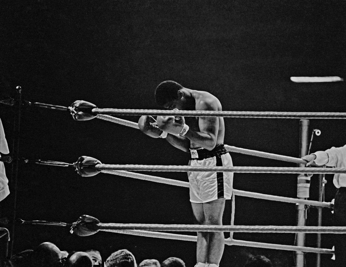 Thomas Hoepker. Ali Praying in the Ring London 1966