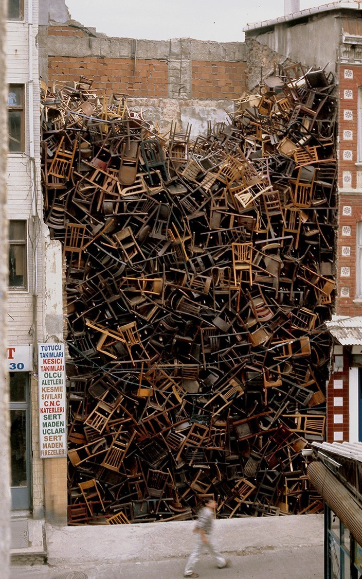 Doris Salcedo, Untitled, 2003. 1,550 wooden chairs, approx. 10.1 × 6.1 × 6.1 m. Site-specific work, 8th International Istanbul Biennial, Istanbul, 2003 Photo: Sergio Clavijo. Courtesy of Alexander and Bonin, New York