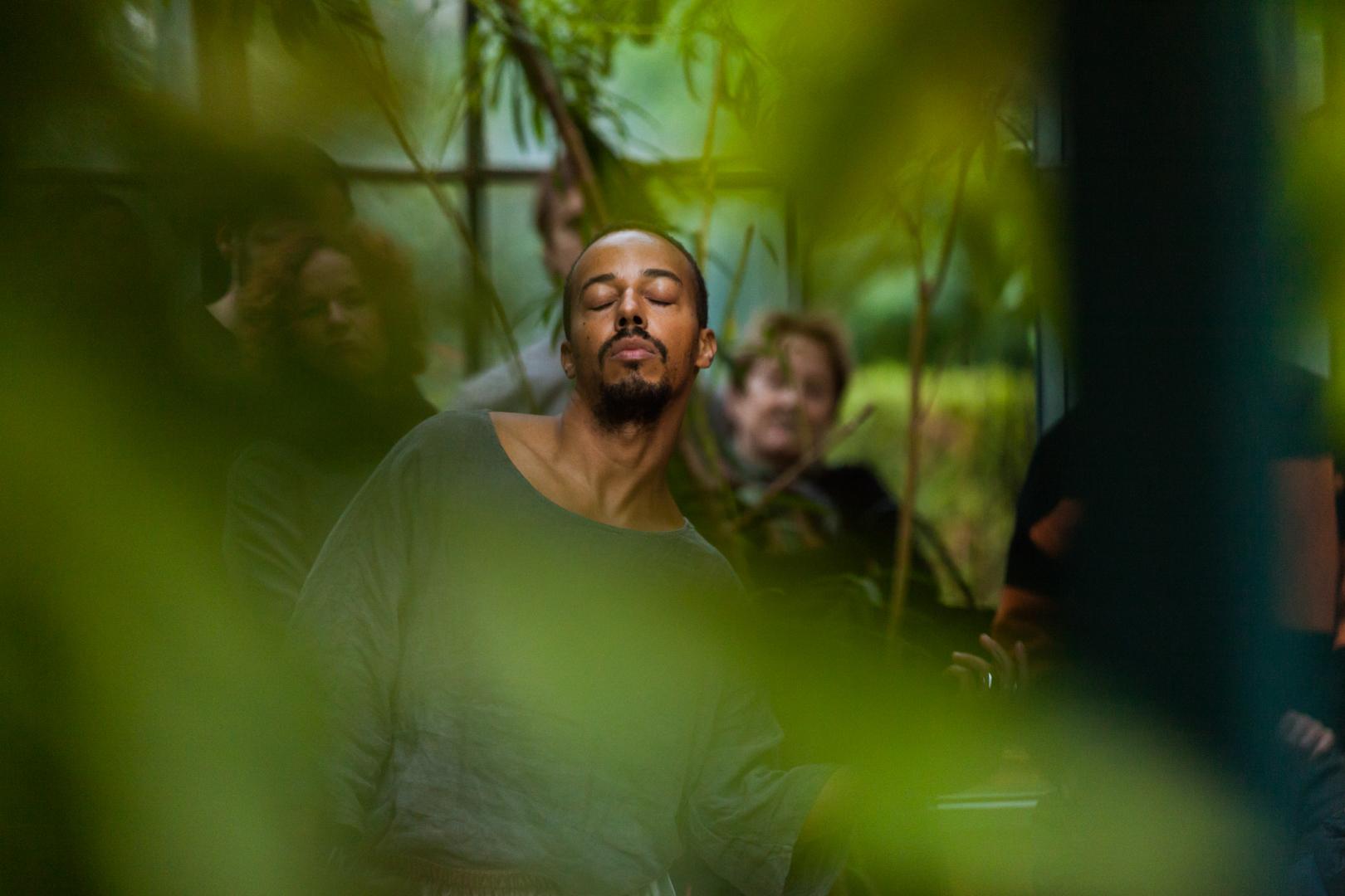 Chimbu et les autres performed by Paul Maheke, Manifesta 12, Palermo. Image by Dario di Liberti, 2018