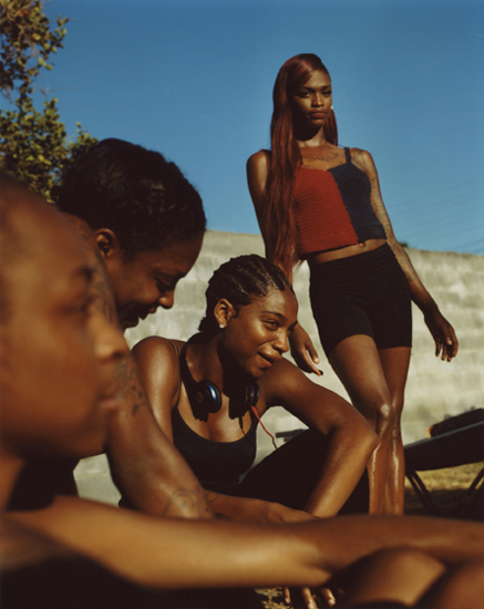 Durimel, Kaelyn and the girls (from the series Freres d'une ile pas tres proche), 2018