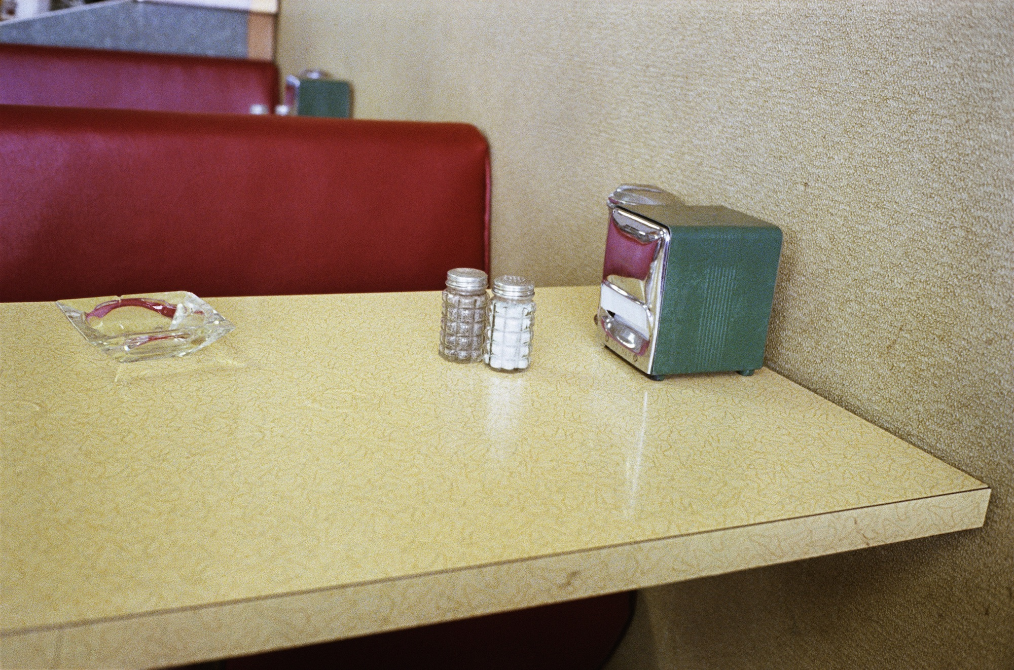 William Eggleston, Untitled, c.1983 - 1986 © Eggleston Artistic Trust. Courtesy Eggleston Artistic Trust and David Zwirner
