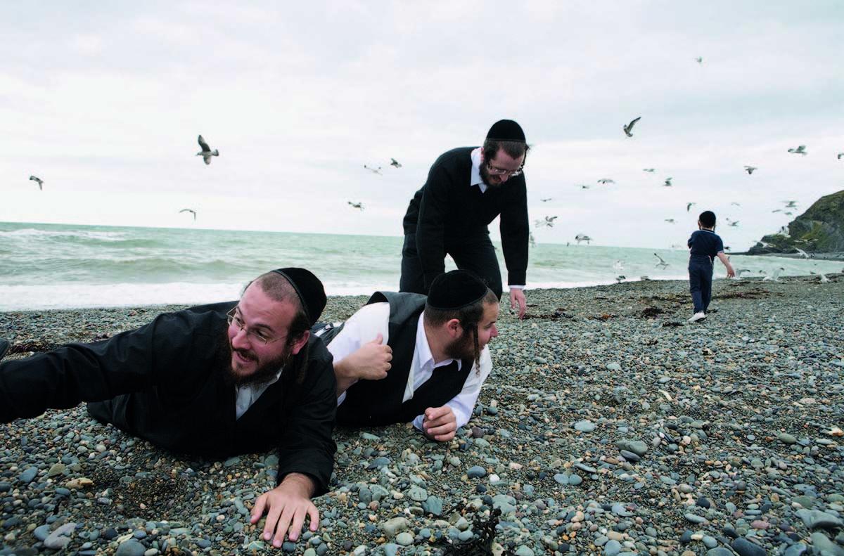 Hasidic Holiday: the Annual Trip to Aberystwyth, 2008 © Chloe Dewe Mathews