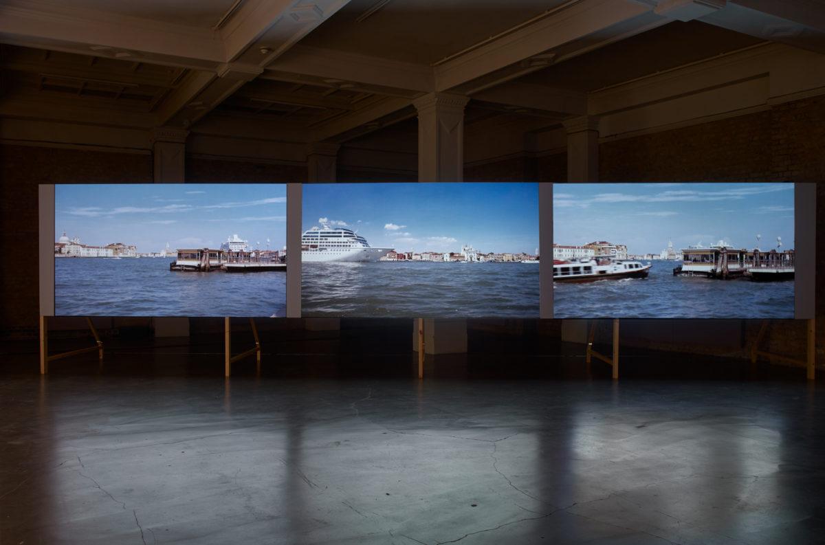 Helen Cammock Che Si Puo Fare_Installation view_Stephen White (34)