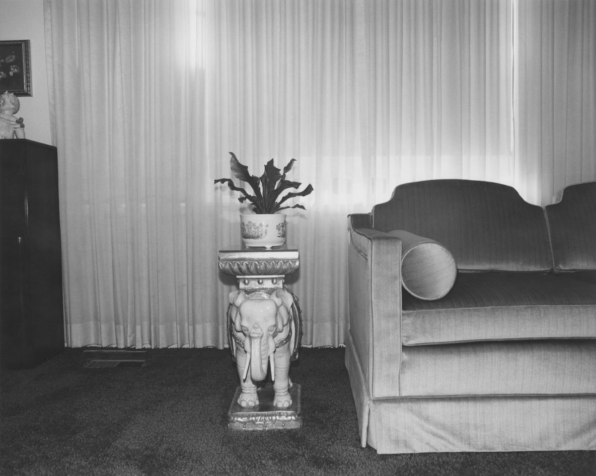 Arnold Kramer, Livingroom, Randallstown, Maryland, 1977. Courtesy Joseph Bellows Gallery