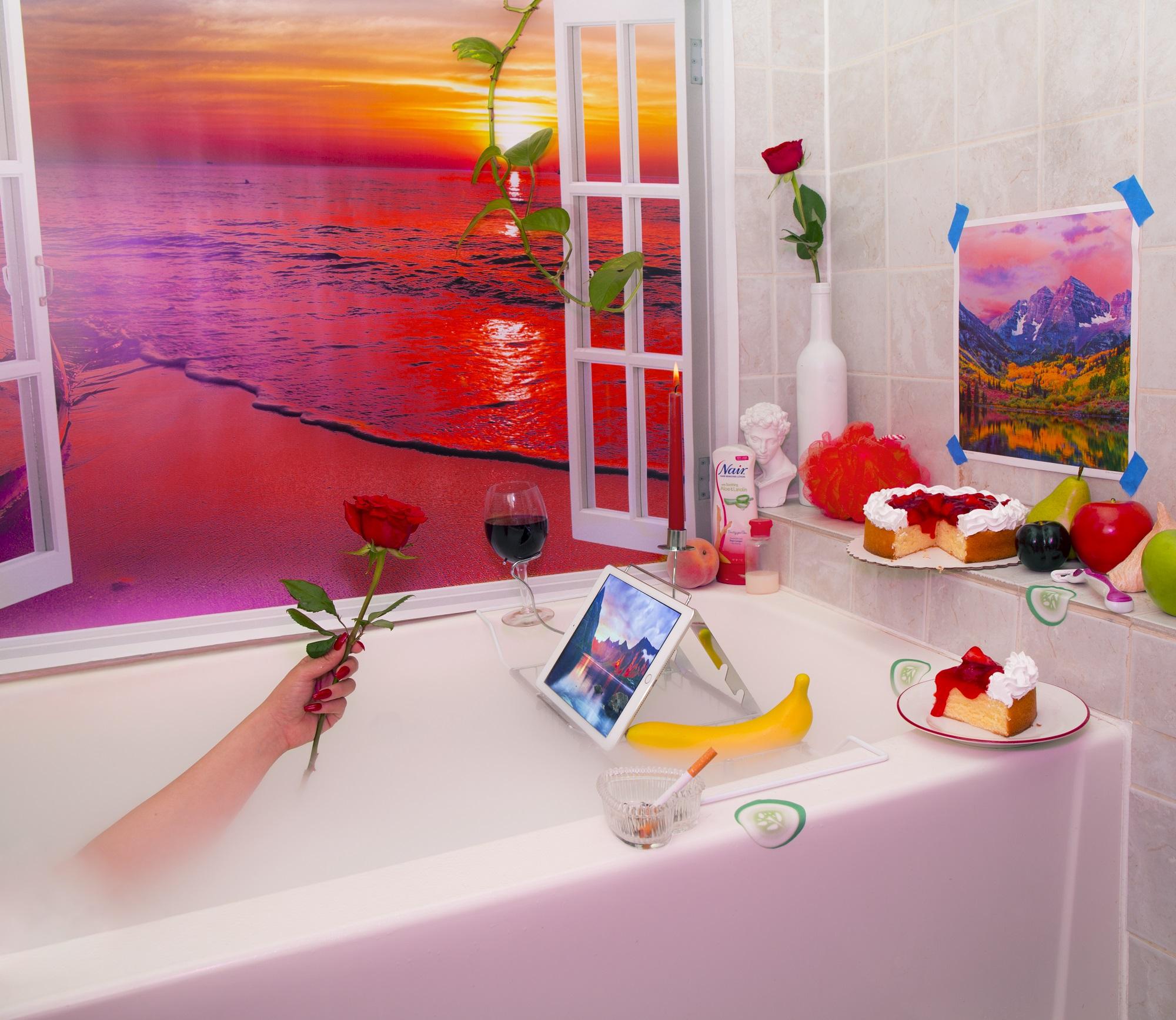 Aleia Murawski and Alex Wallbaum, Escapist Bathtub, 2019