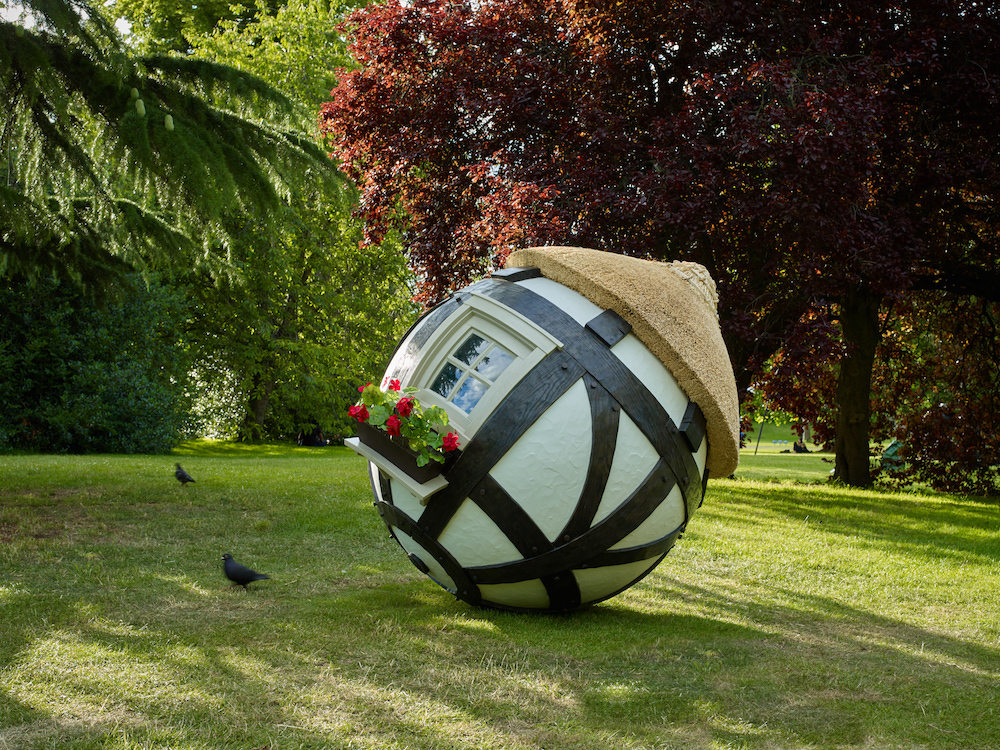 Fisk, Tudor Ball (view 1), 2019, diameter 65 in., 165 cm, Marlborough, Frieze Sculpture 2019_Stephen White.jpg