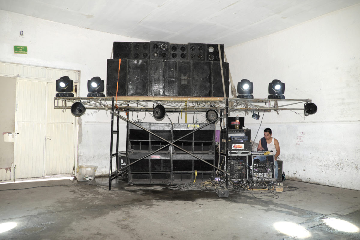 Soundsystem of Sonido Pirata at the Dance without Violence at Salón Azul, León, Guanajua o Mexico, 2016, from the book Ojos Suaves Soft Eyes, by  Mirjam Wirz
