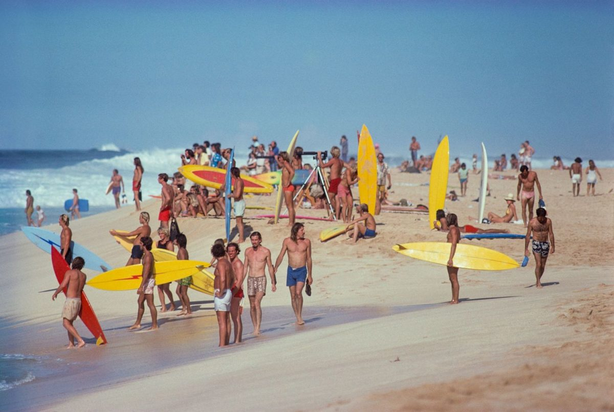 Pipeline, Oahu, Hawaii, 1975. Photo © Jeff Divine