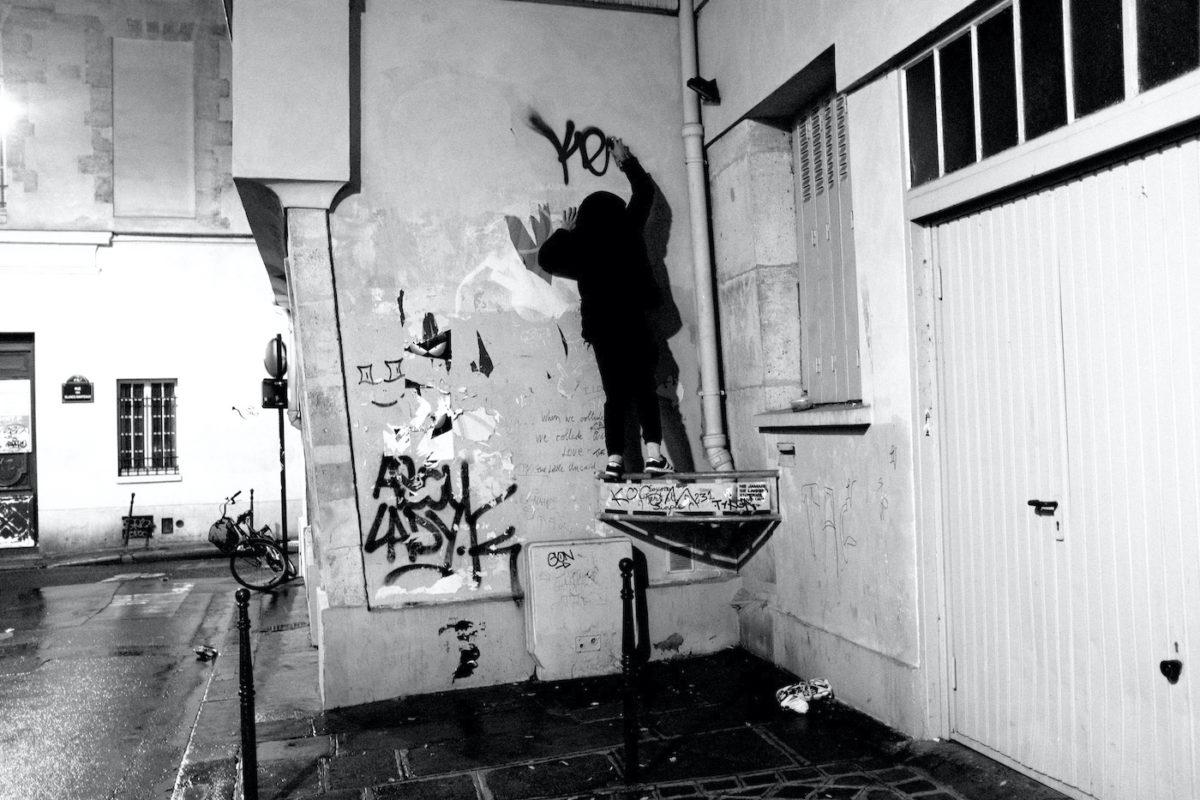 A graffiti writer on Friday 09 November 2018 in Paris, France. © Marc Vallée, 2018