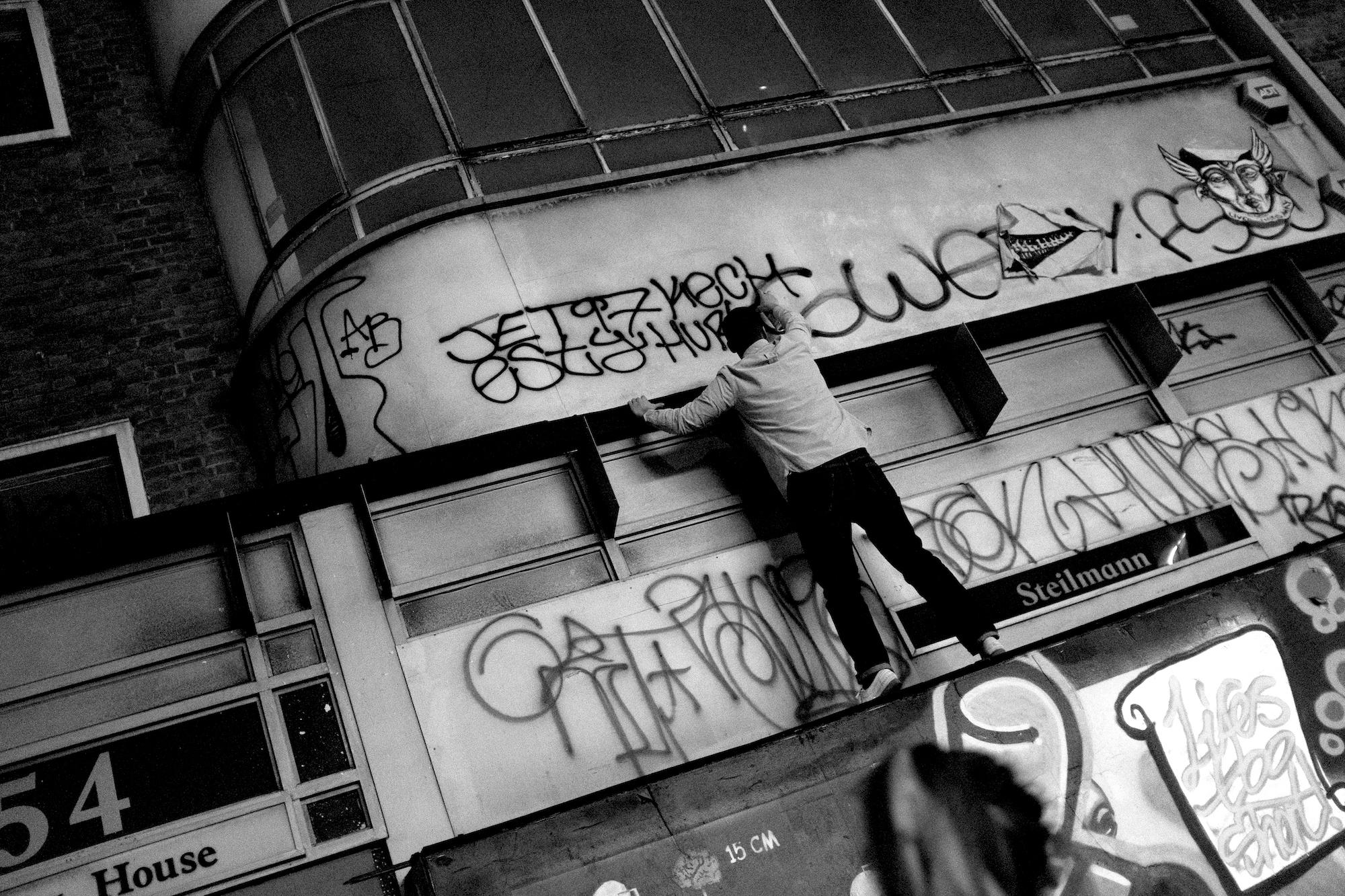 A graffiti writer on Thursday 21 March 2019 in London, England. © Marc Vallée